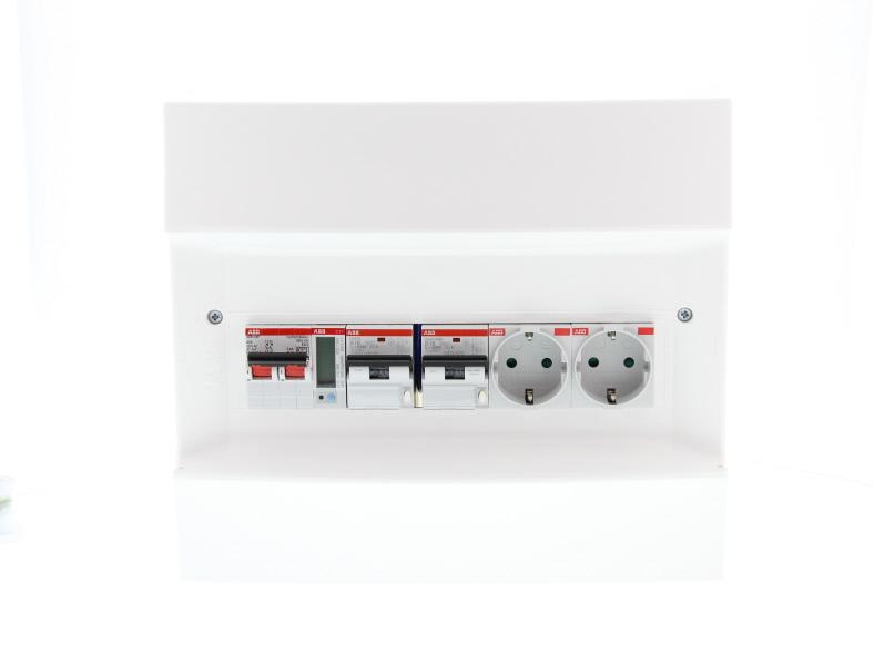 ABB Installatiedozen en -kasten PV-verdeler 2x combimaat B16 met 2x WCD, hoofdschakelaar en kWh meter (1SPN001600F0020)