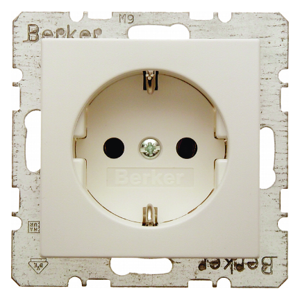 Hager Berker stopcontact met randaarde 1 voudig - S.1 crème wit glanzend (6147438982)
