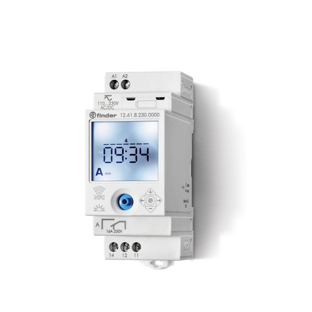 Finder digitale tijdschakelklok voor paneelbouw 16A 230V stuurspanning AC met weekprogramma