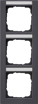 Gira E2 afdekraam 3-voudig verticaal met tekstkader antraciet