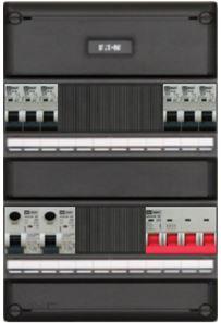 Een 3 fase groepenkast is te herkennen aan de 4 polige automaten.
